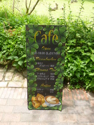 カフェ入り口2.JPG