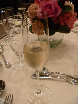 シャンパンで乾杯.JPG